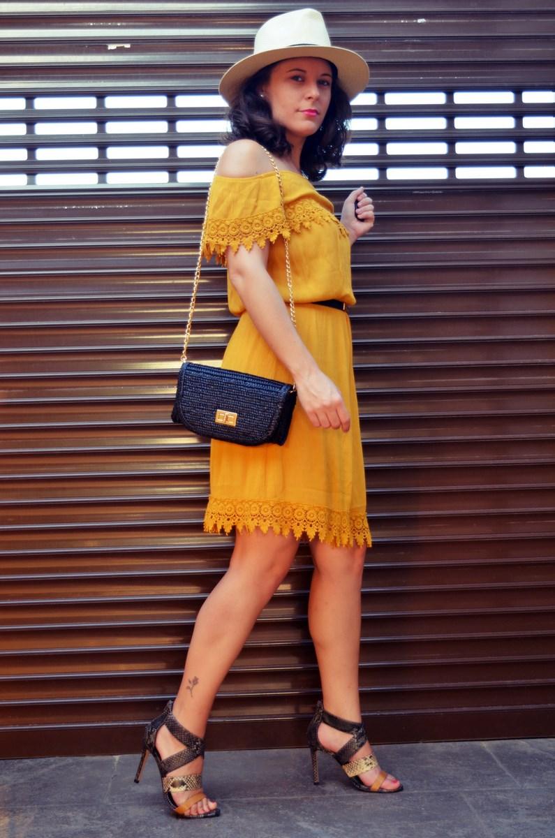 Vestido mostaza crochet look streetstyle fashion blogger mi vestido azul friendsfluencers (15)