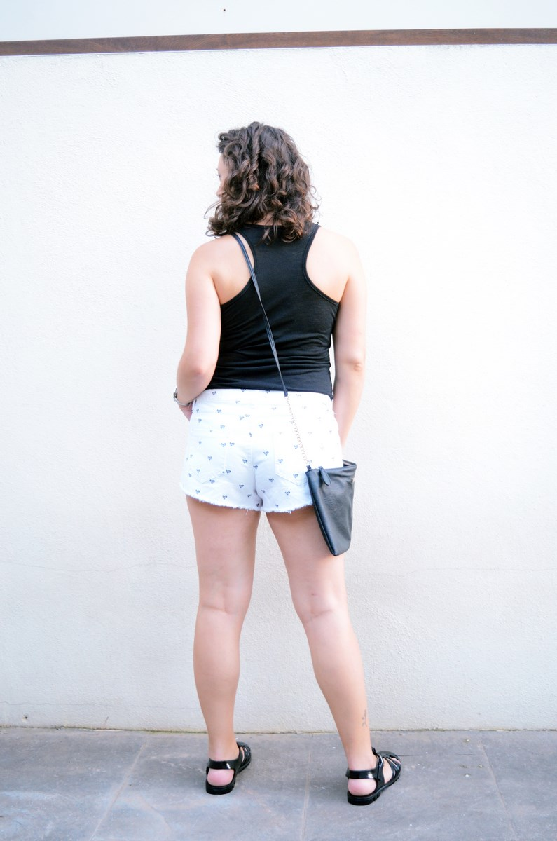 Shorts corazones_moda_streetstyle_look_fashionblogger_friendsfluencers_bloggercastellon_influencer_mivestidoazul (12)