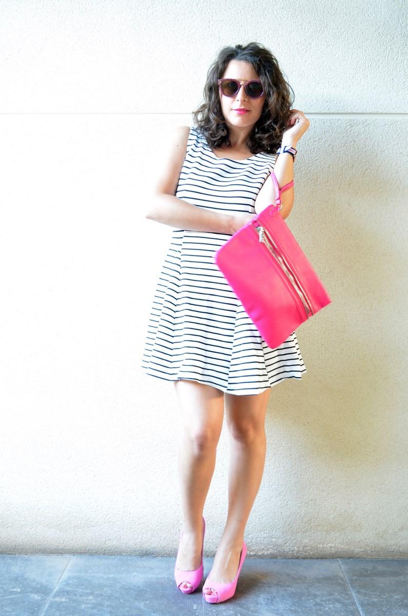 Vestido de rayas y complementos fuscia_look_mivestidoazul (6)