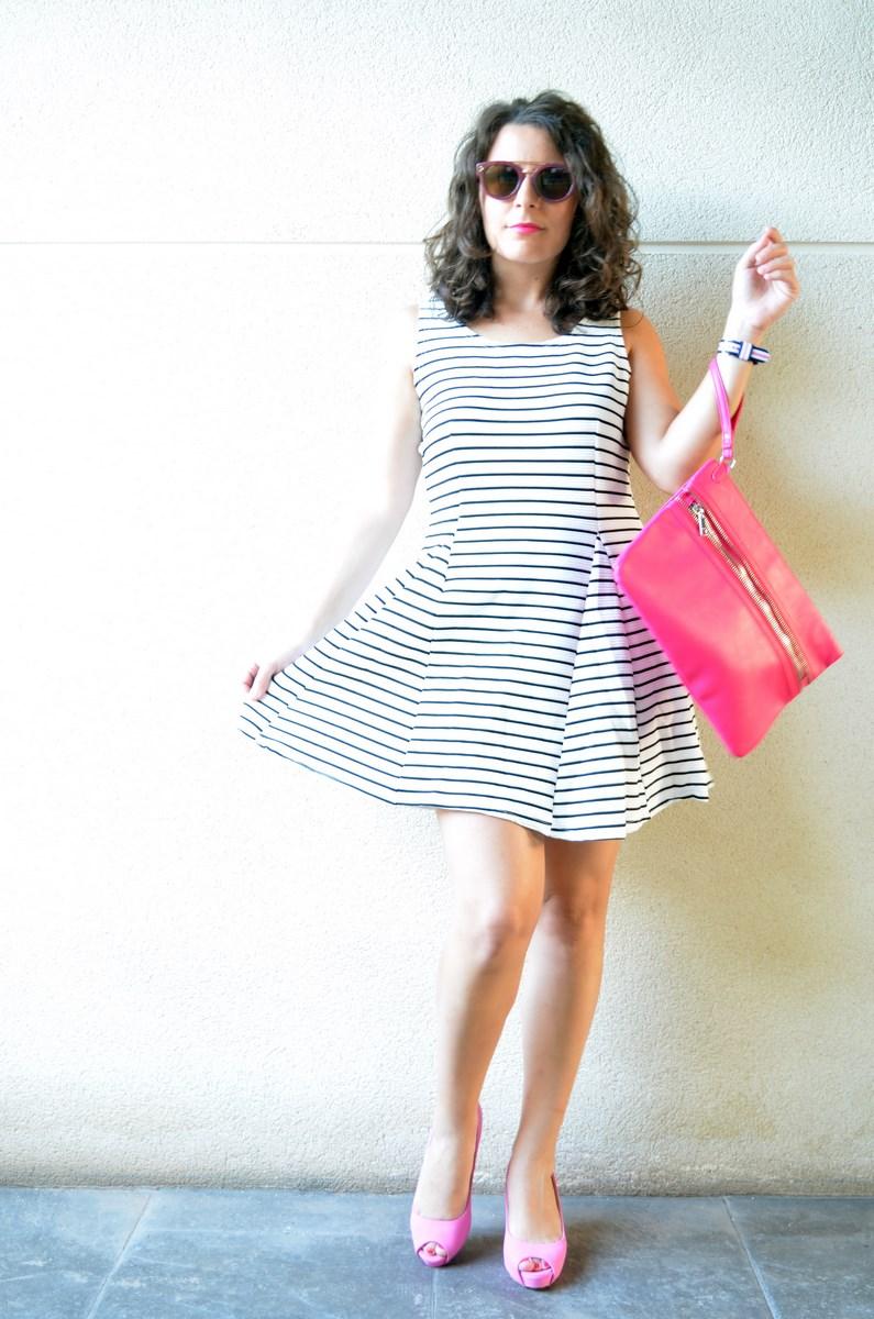 Vestido de rayas y complementos fuscia_look_mivestidoazul (8)