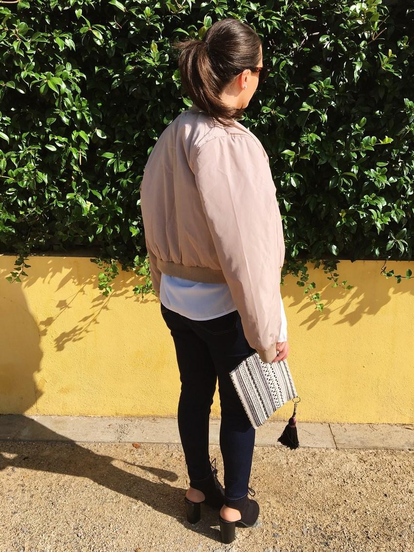 look_bomber_y_ccamiseta_cordones_streetstyle_fashionblogger_blogdemoda_castellon_mivestidoazul-2