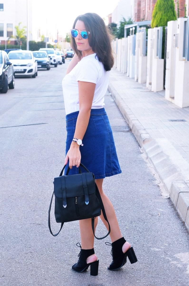 look_falda_denim_abotonada_streetstyle_mivestidoazul-6