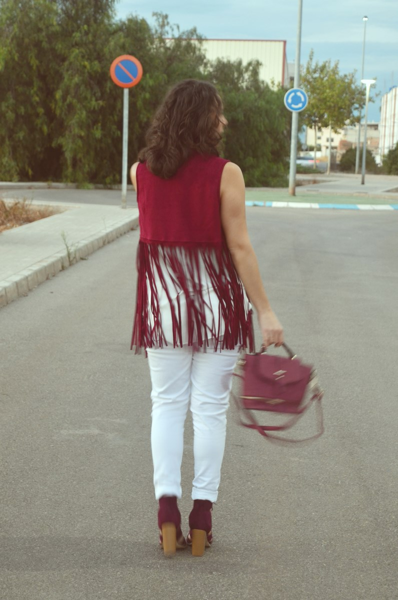 look_blanco_y_burdeos_summer_2016_streetstyle_fashionblogger_mivestidoazul-4