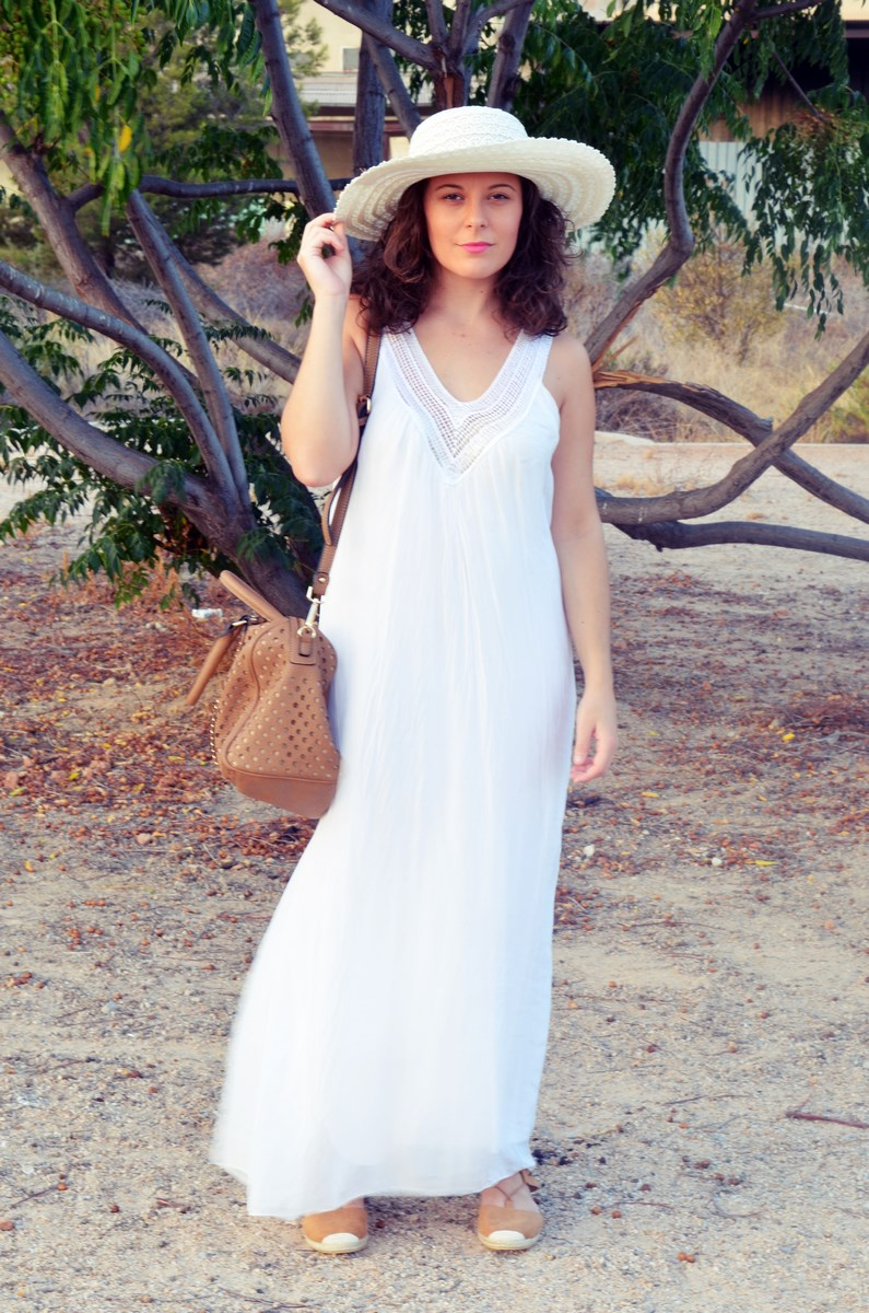 Vestido largo blanco de seda_streetstyle_bloggerscastellon_fashionblogger_mivestidoazul (1)