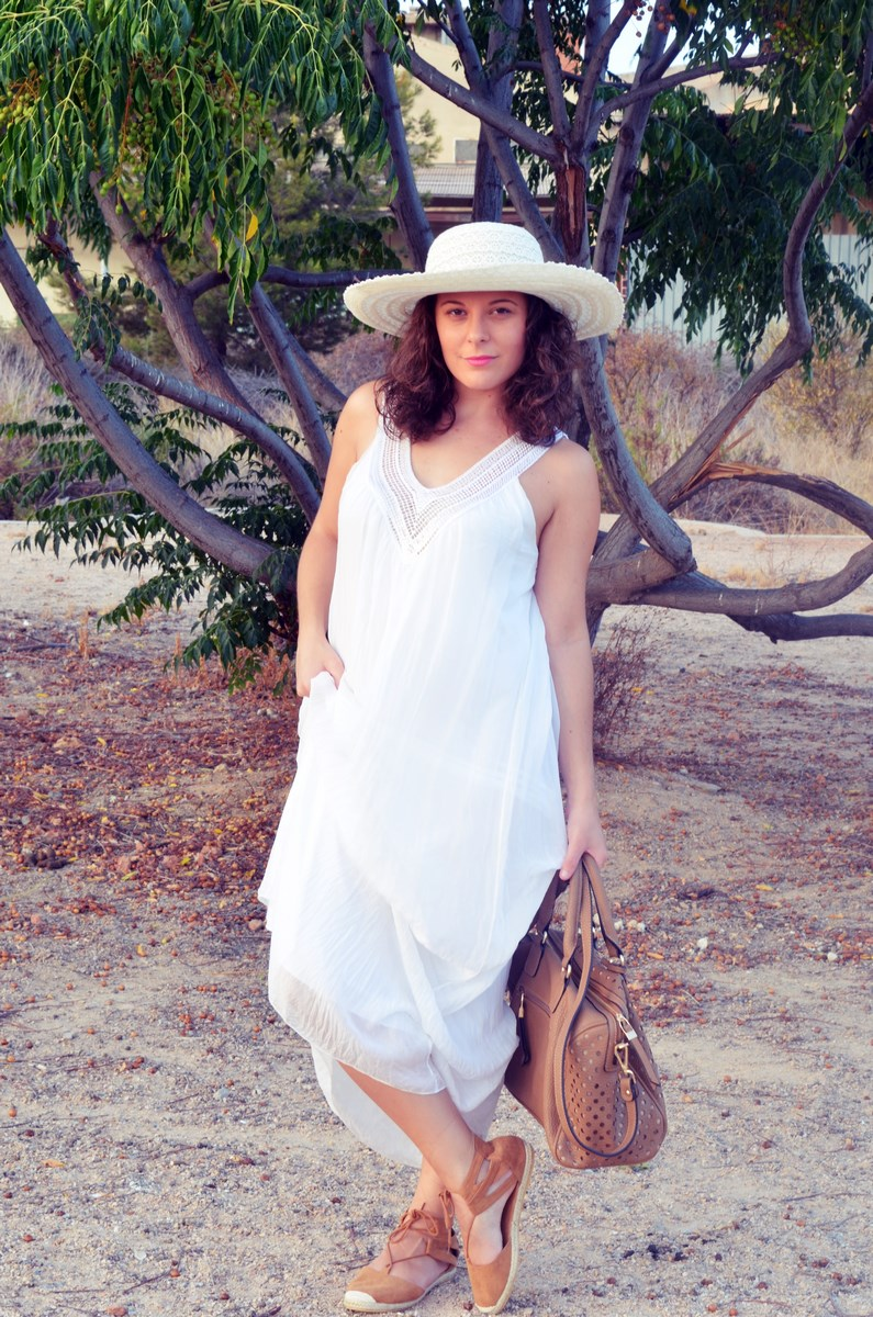 Vestido largo blanco de seda_streetstyle_bloggerscastellon_fashionblogger_mivestidoazul (7)