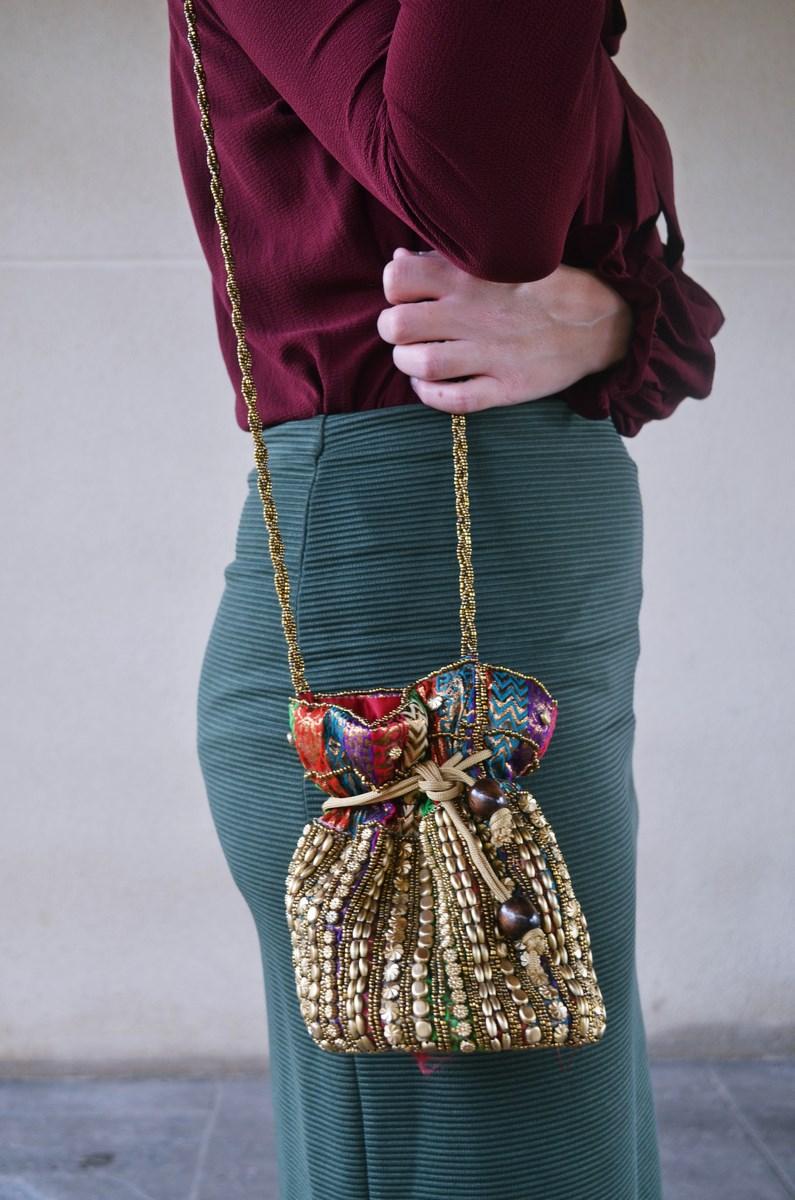 look_burdeosycaqui_streetstyle_outfit_fashionblogger_mivestidoazul-1