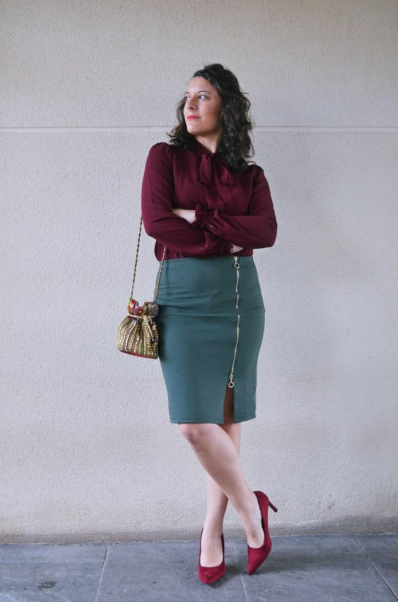 look_burdeosycaqui_streetstyle_outfit_fashionblogger_mivestidoazul-2