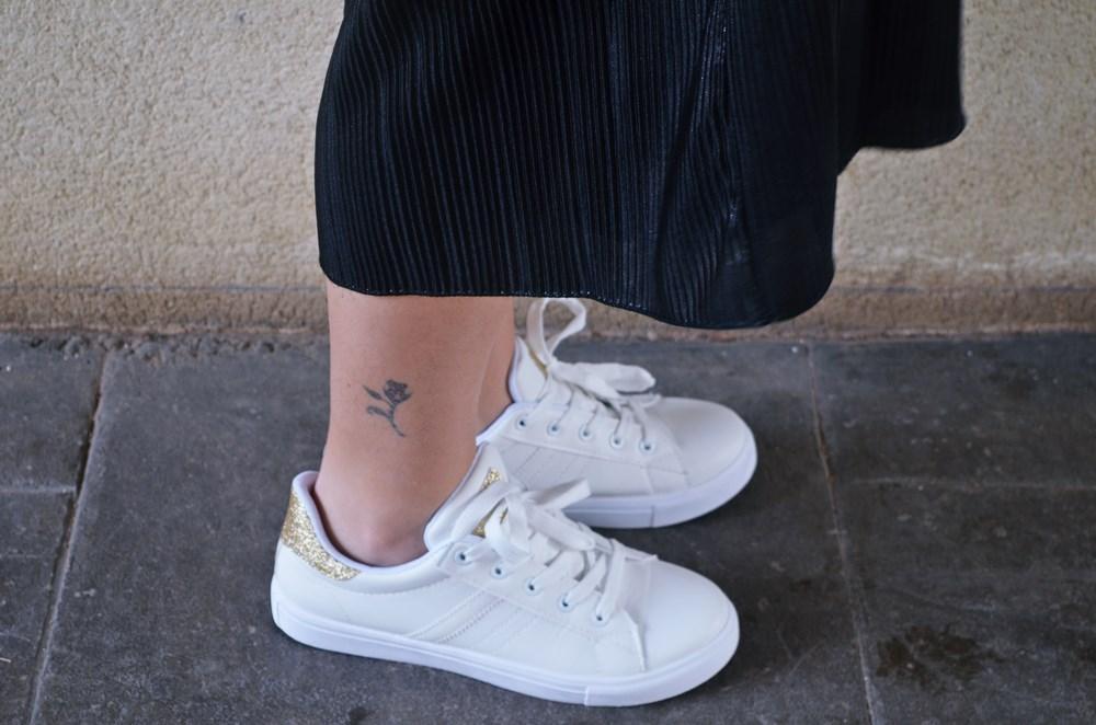 look_bomberconflores_streetstyle_sportychic_fashionblogger_mivestidoazul-15