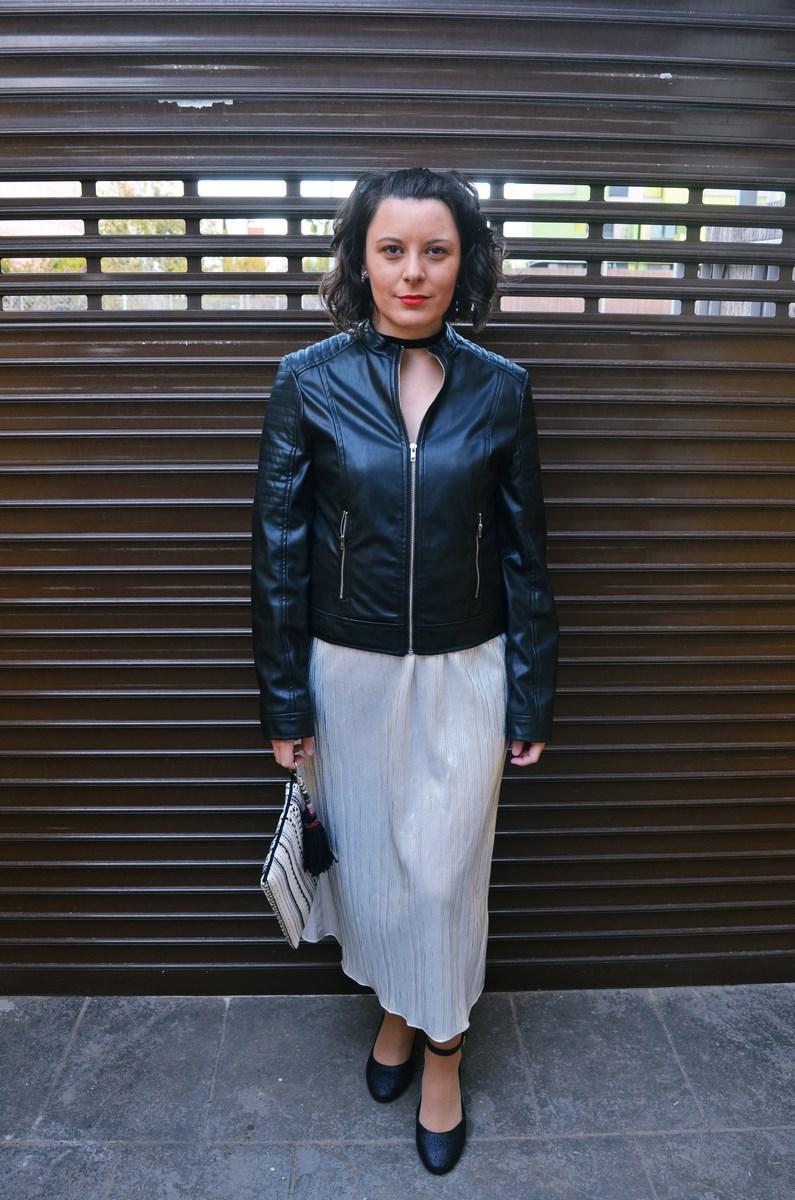 look_streetstyle_faldametalizadaytopterciopelo_blogdemoda_fashionblogger_influencer_mivestidoazul_castellon-2