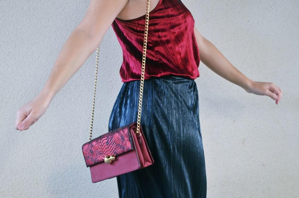 look_topdeterciopelo_burdeos_fashionblogger_streetstyle_mivestidoazul-13