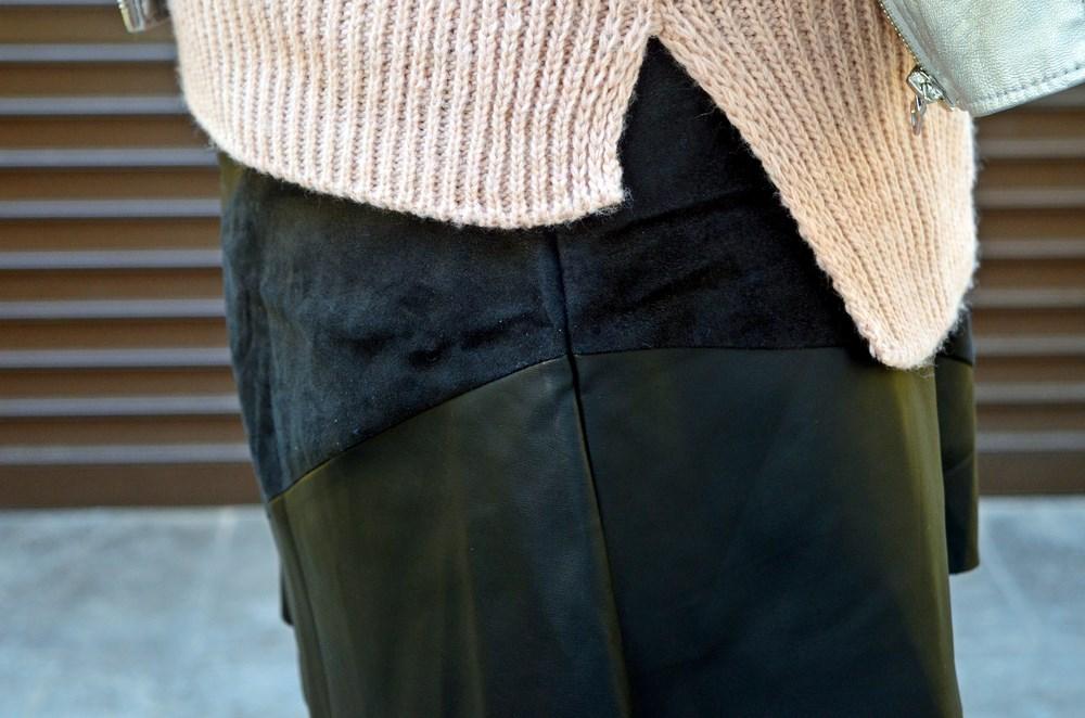 look_faldapolipieljerseyparches_streetstyle_fashionblogger_influencer_blogdemoda_castellon_valencia_mivestidoazul_itgirl-11