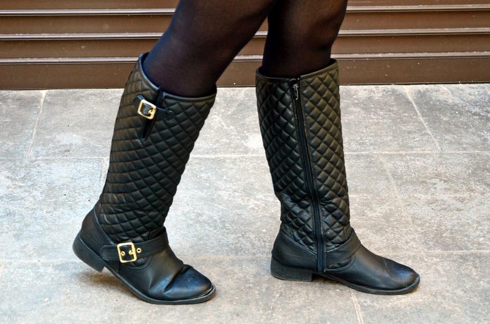 look_faldapolipieljerseyparches_streetstyle_fashionblogger_influencer_blogdemoda_castellon_valencia_mivestidoazul_itgirl-13