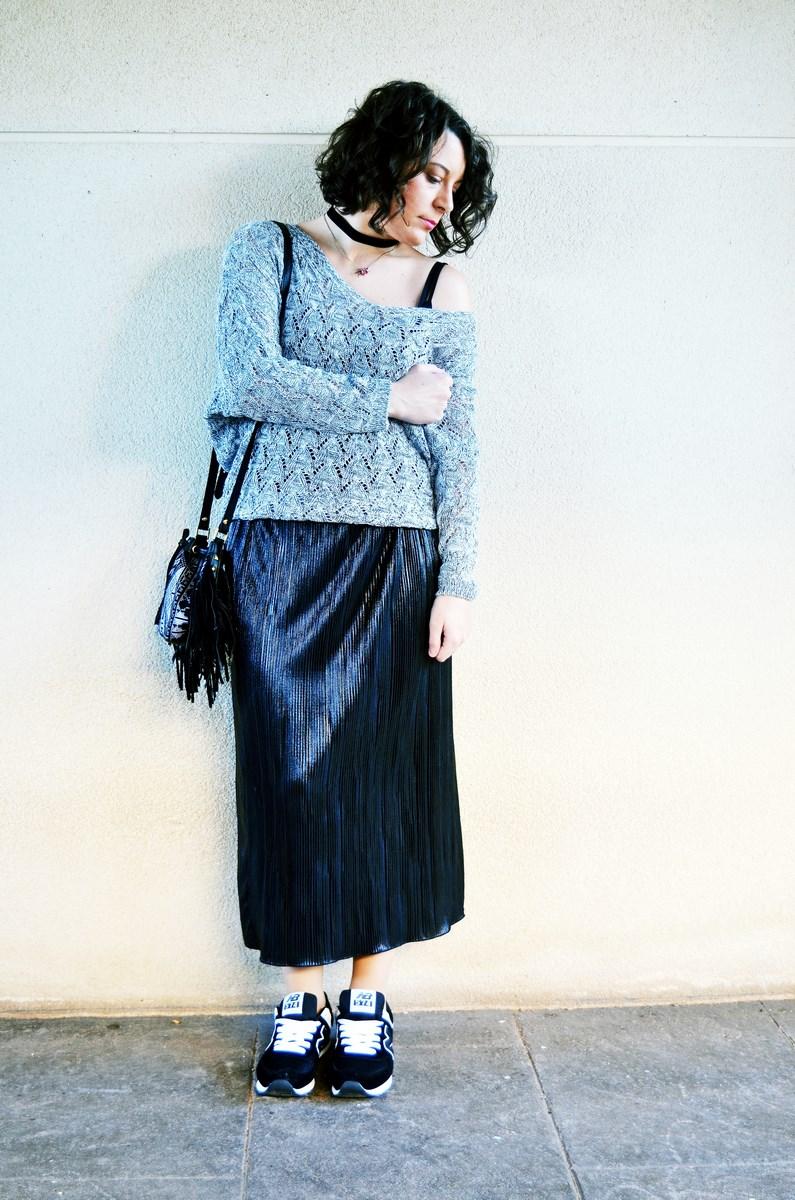 look_faldaplisadametalizadayzapatillas_streetstyle_mivestidoazul_fashionblogger_blogdemoda_castellon_influencer-1