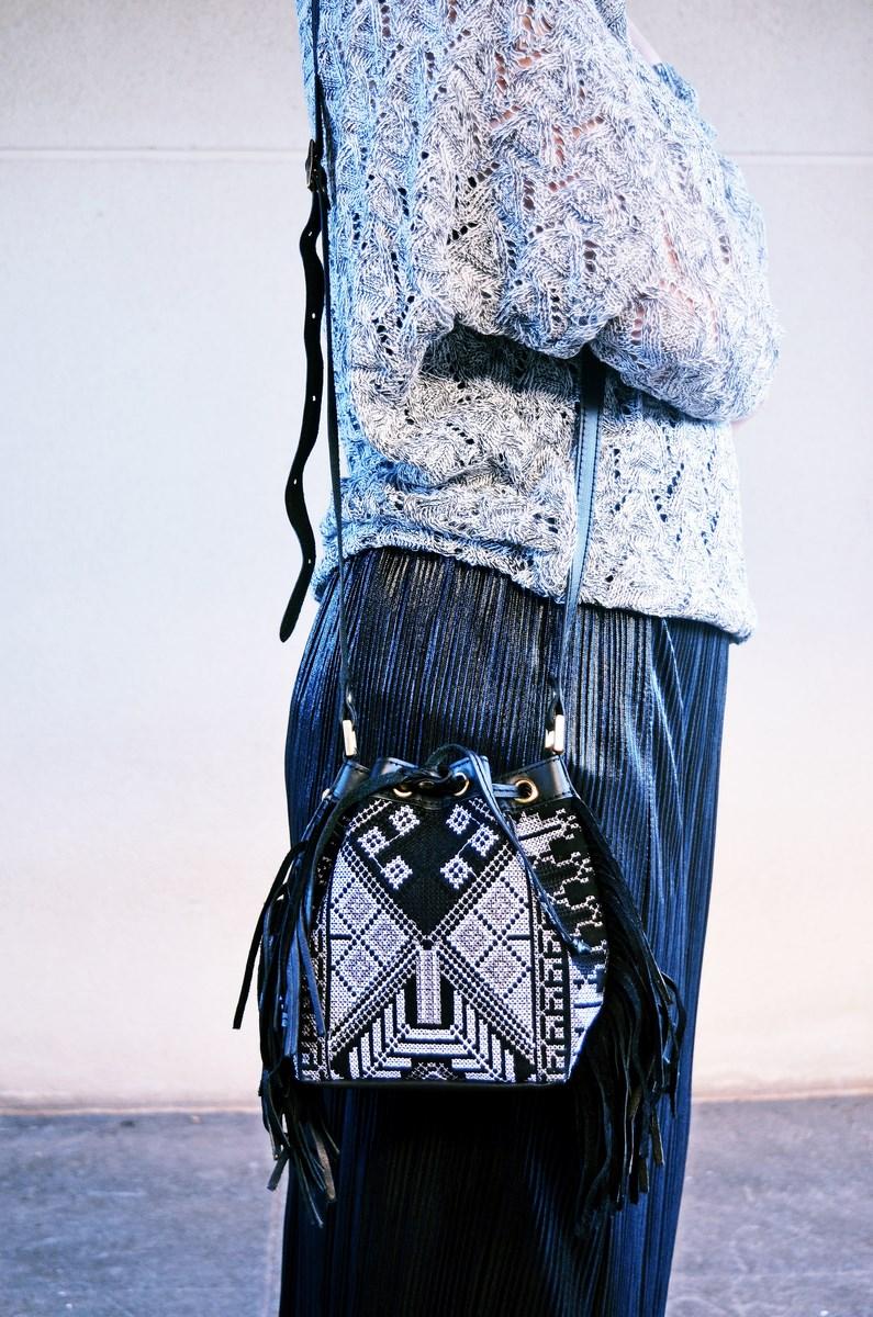 look_faldaplisadametalizadayzapatillas_streetstyle_mivestidoazul_fashionblogger_blogdemoda_castellon_influencer-8