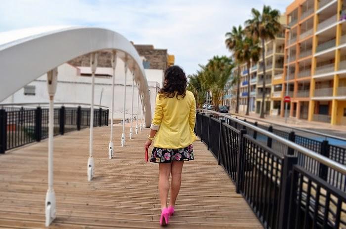 colorido, colorful, falda, flores, amarillo, rosa, fucsia, playa nules