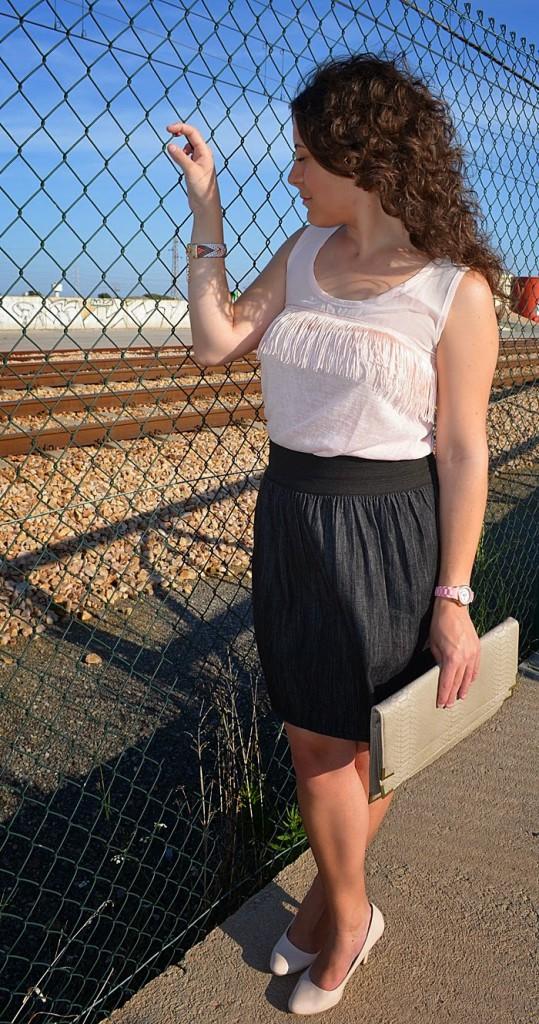 falda denim, camiseta flecos, DIY, rosa, gris, vaquero, kiabi, fashion blogger, moda, Castellón, blogger
