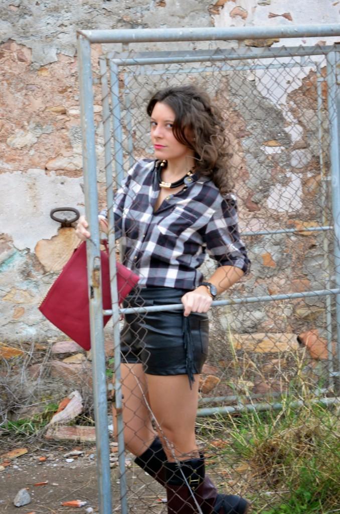 shorts, cuero, cuadros, flecos, mi vestido azul, blog de moda, castellón, fashion blogger, lourdes bueso