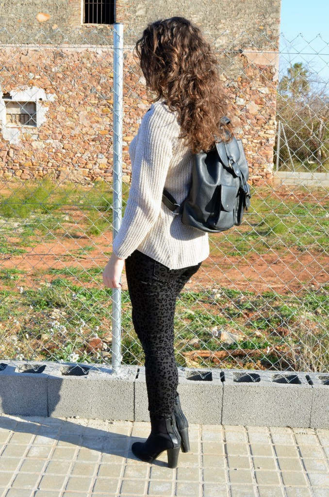 estampado animal, print, blogger, castellón, mi vestido azul, lourdes, fashion blog, negro, casual