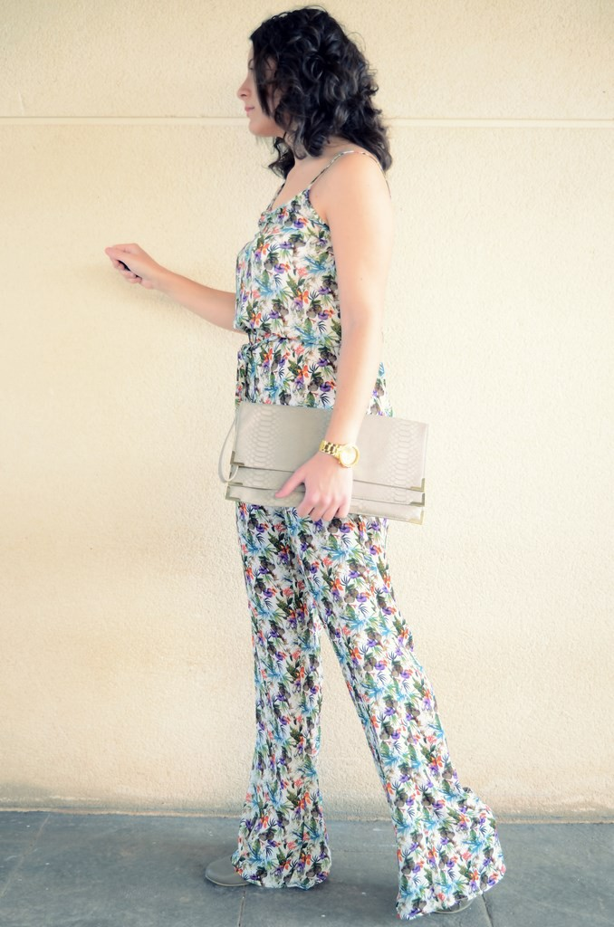 Flowers jumpsuit & Khaki trench (8)