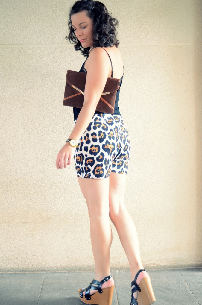 Mi vestido azul- Animal print shorts (8)