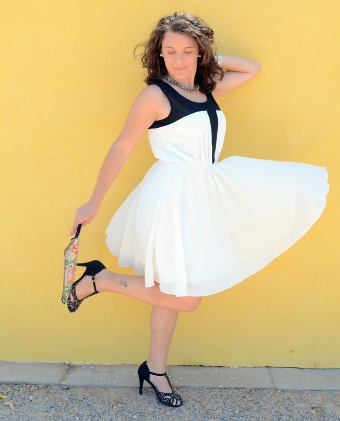 Mi vestido azul - Just black and white (11)