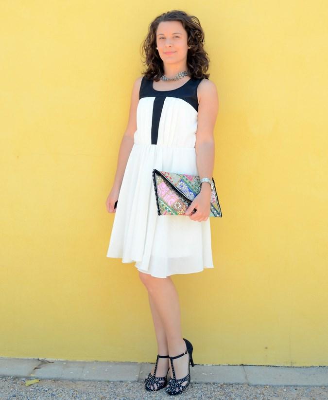 Mi vestido azul - Just black and white (2)