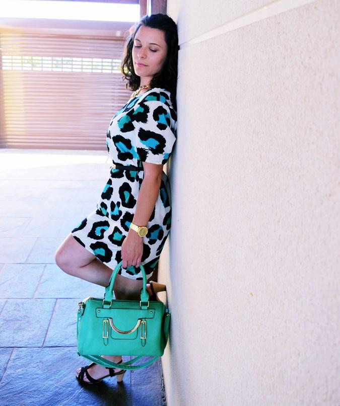Mi vestido azul - Green animal print (1)