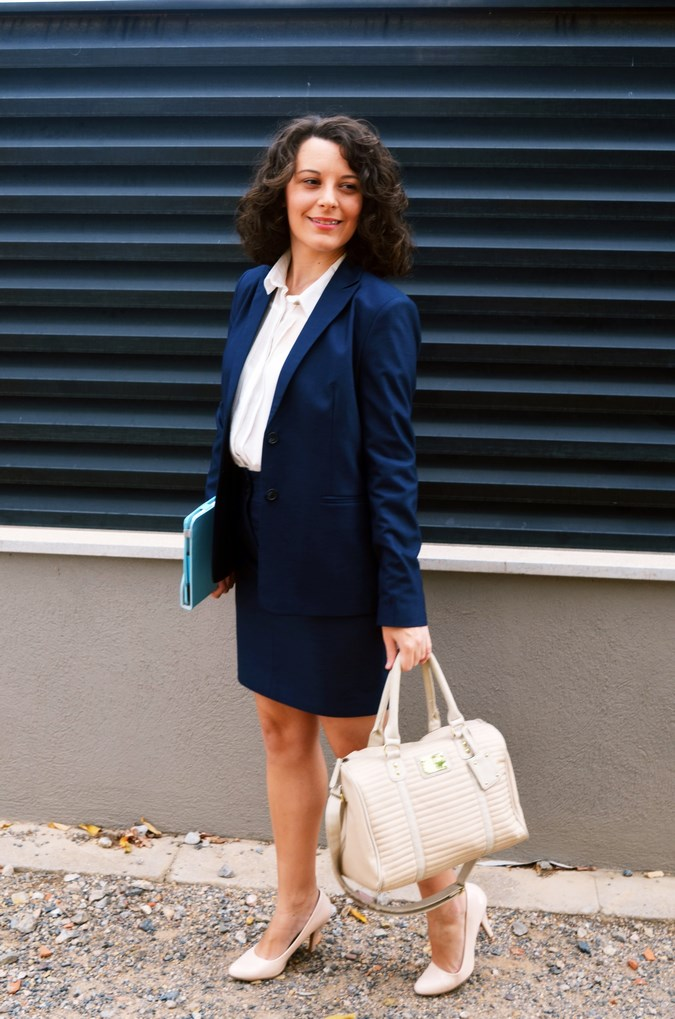 Authentic working girl (12)