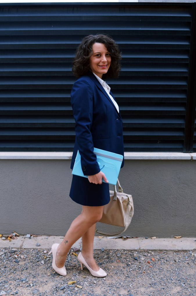 Authentic working girl (13)