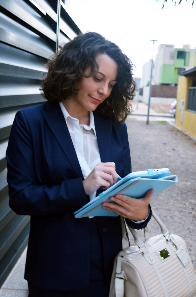 Authentic working girl (15)