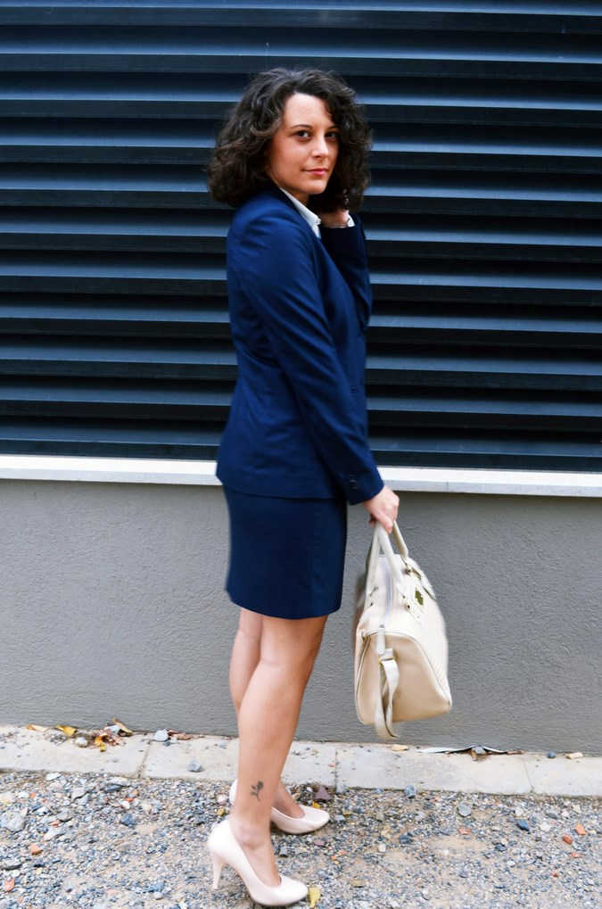 Authentic working girl (19)