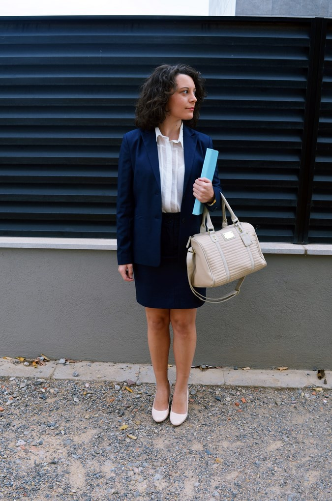 Authentic working girl (3)