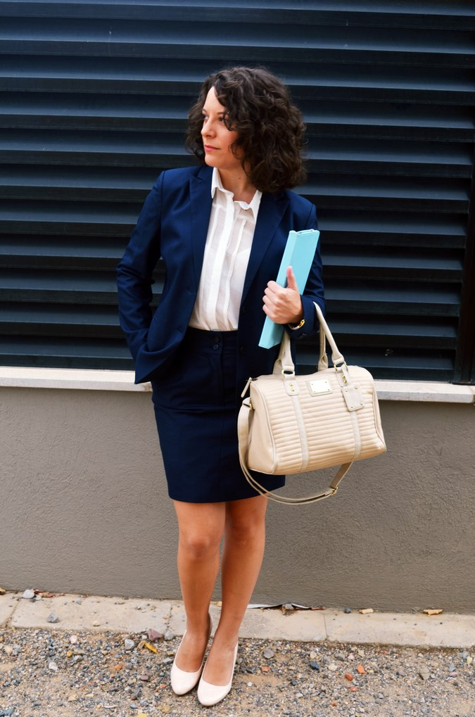 Authentic working girl (6)