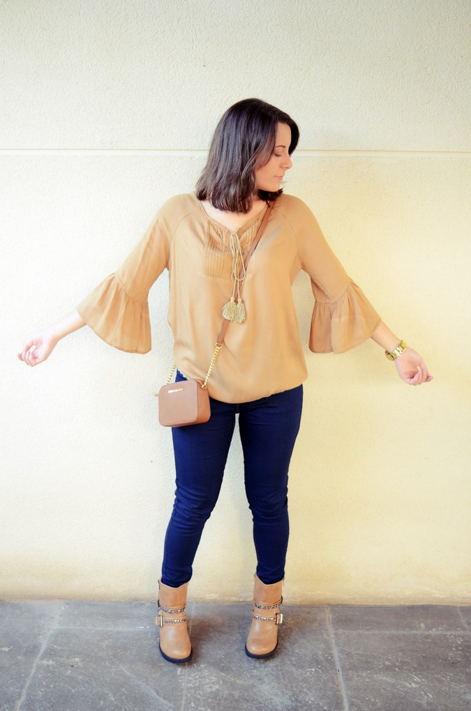 Flared sleeves (3)