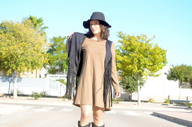 Army green & Fringed vest (9)
