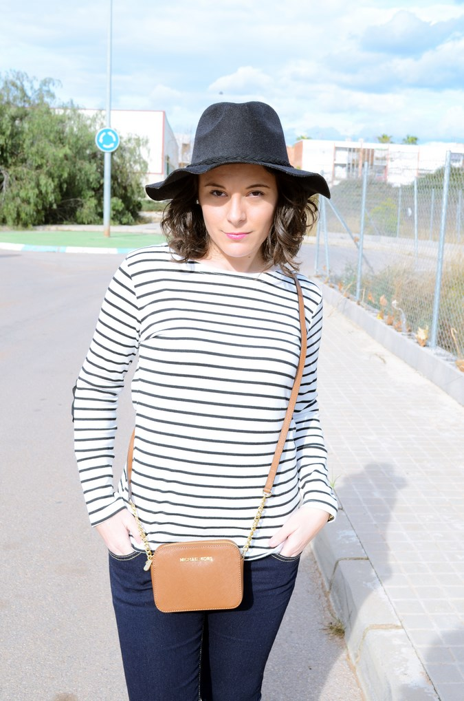 Leather and stripes_look_mivestsidoazul (11)