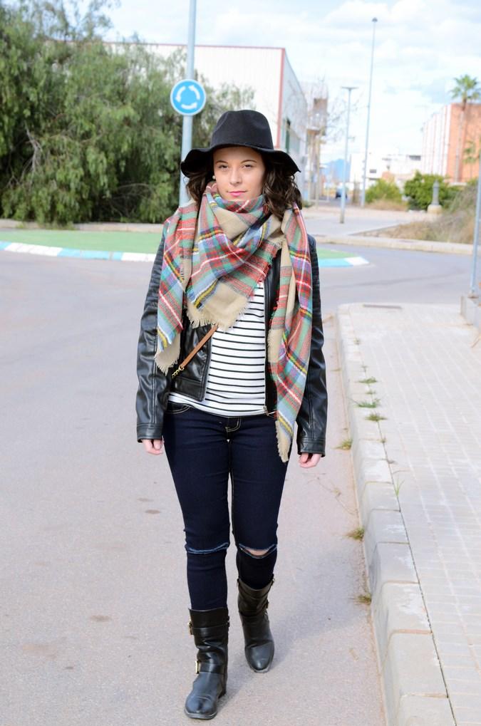 Leather and stripes_look_mivestsidoazul (3)