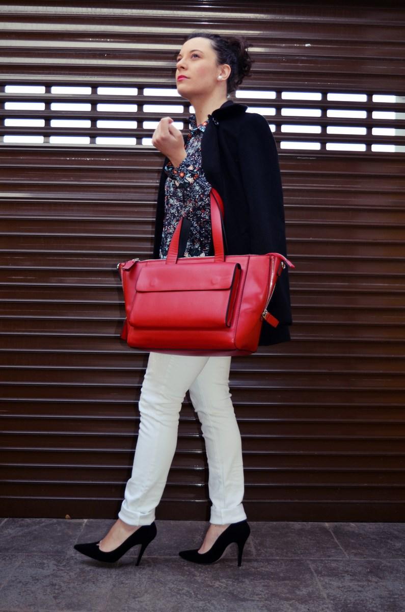 Camisa de flores y bolso rojo_Outfit_Mivestidoazul (4)