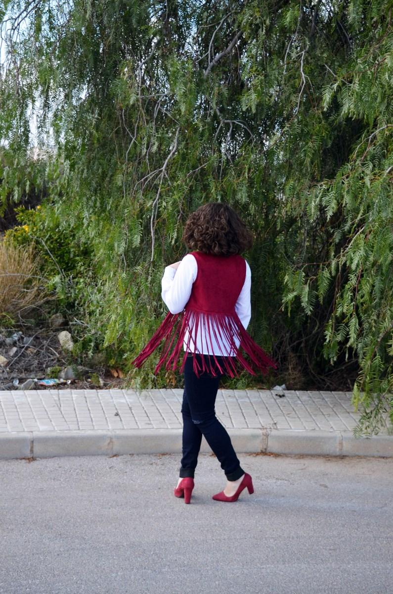 Chaleco burdeos con flecos_outfit_mivestidoazul (9)