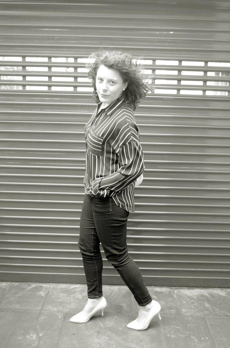 Blusa de rayas y trench_Outfit_mivestidoazul (11)