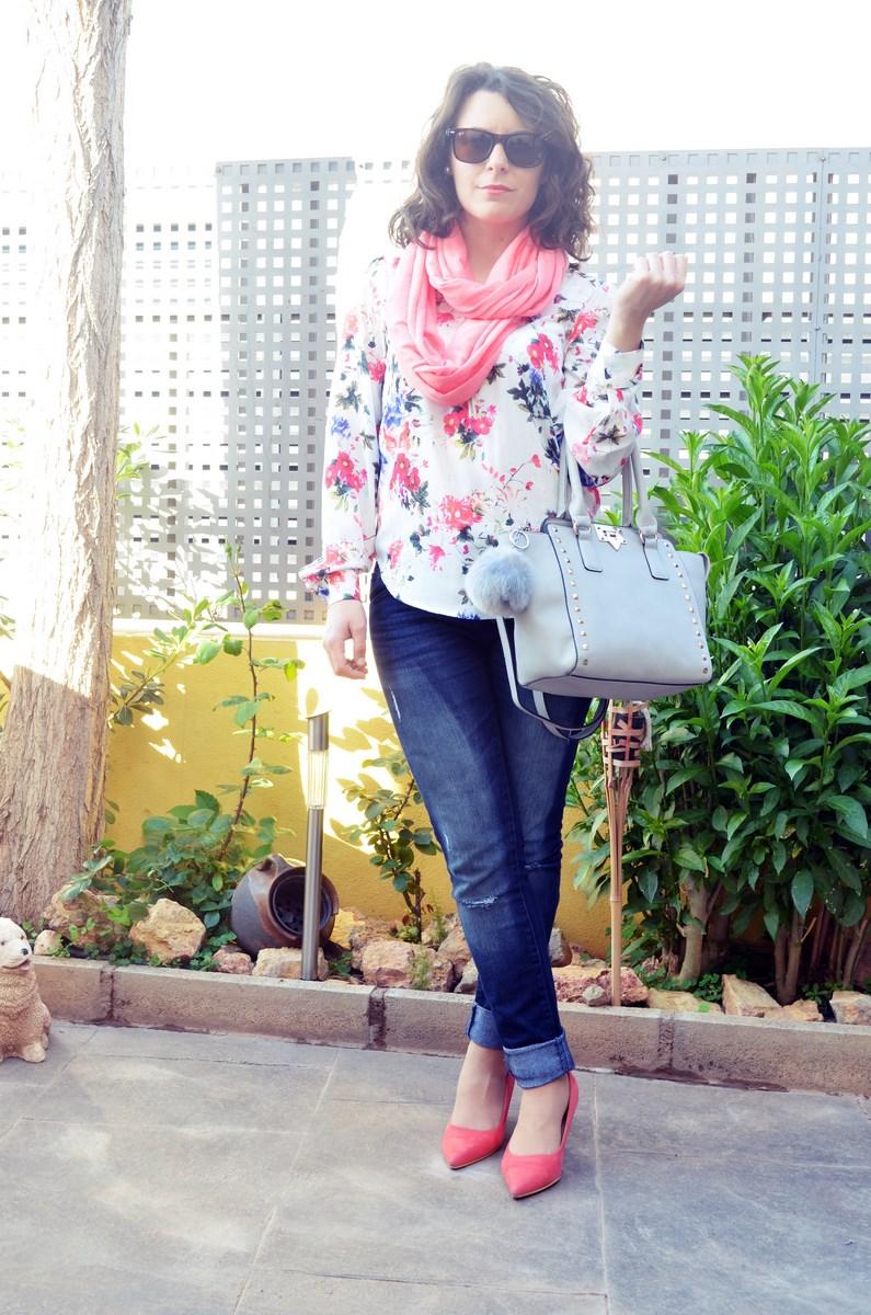 Bolso gris con tachuelas_outfit_mivestidoazul (2)