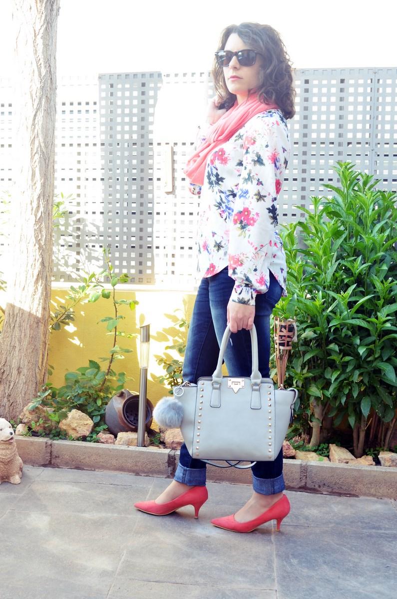 Bolso gris con tachuelas_outfit_mivestidoazul (4)