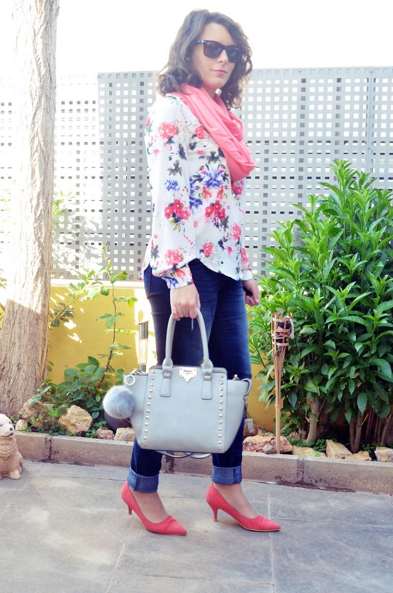 Bolso gris con tachuelas_outfit_mivestidoazul (6)