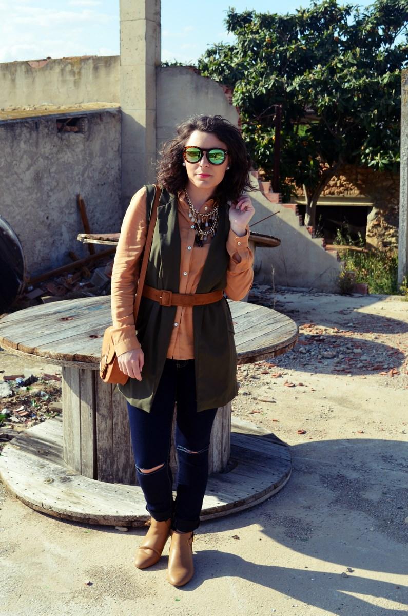 Como llevar un chaleco caqui_Outfits_mivestidoazul (5)