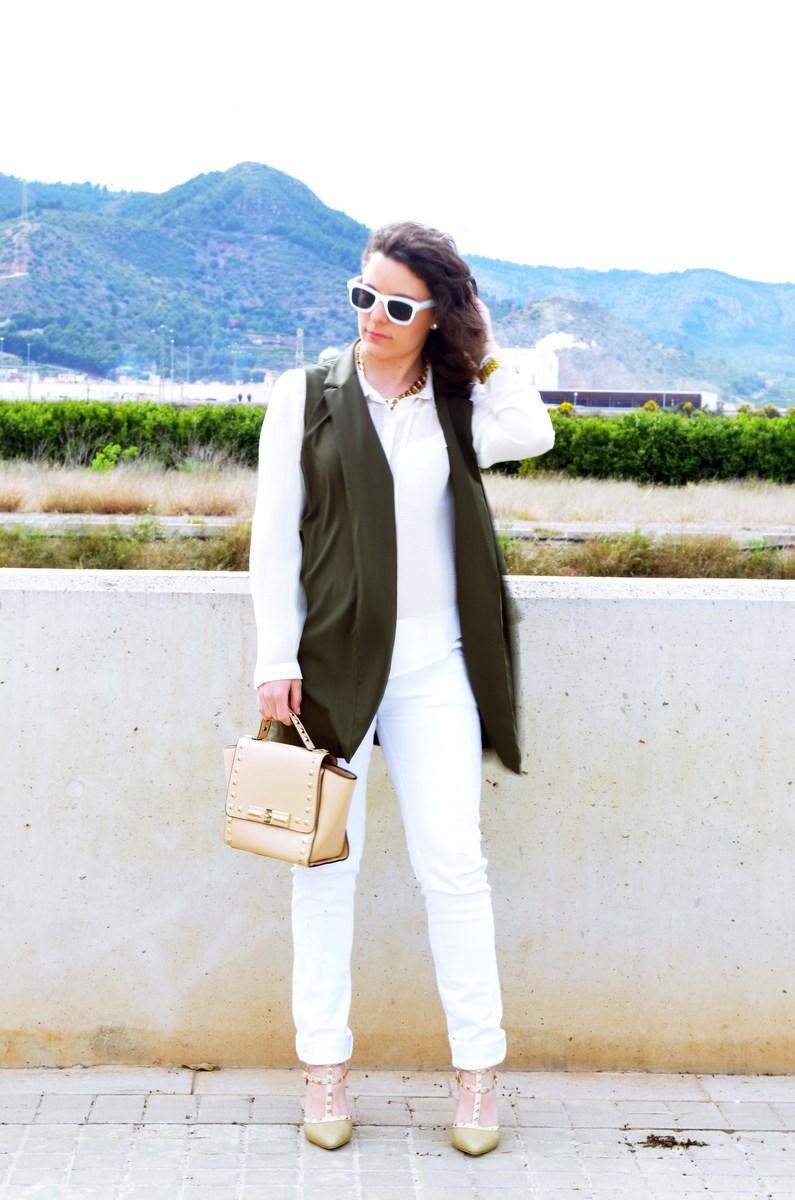 Blanco y caqui_Outfit_Mivestidoazul (5)