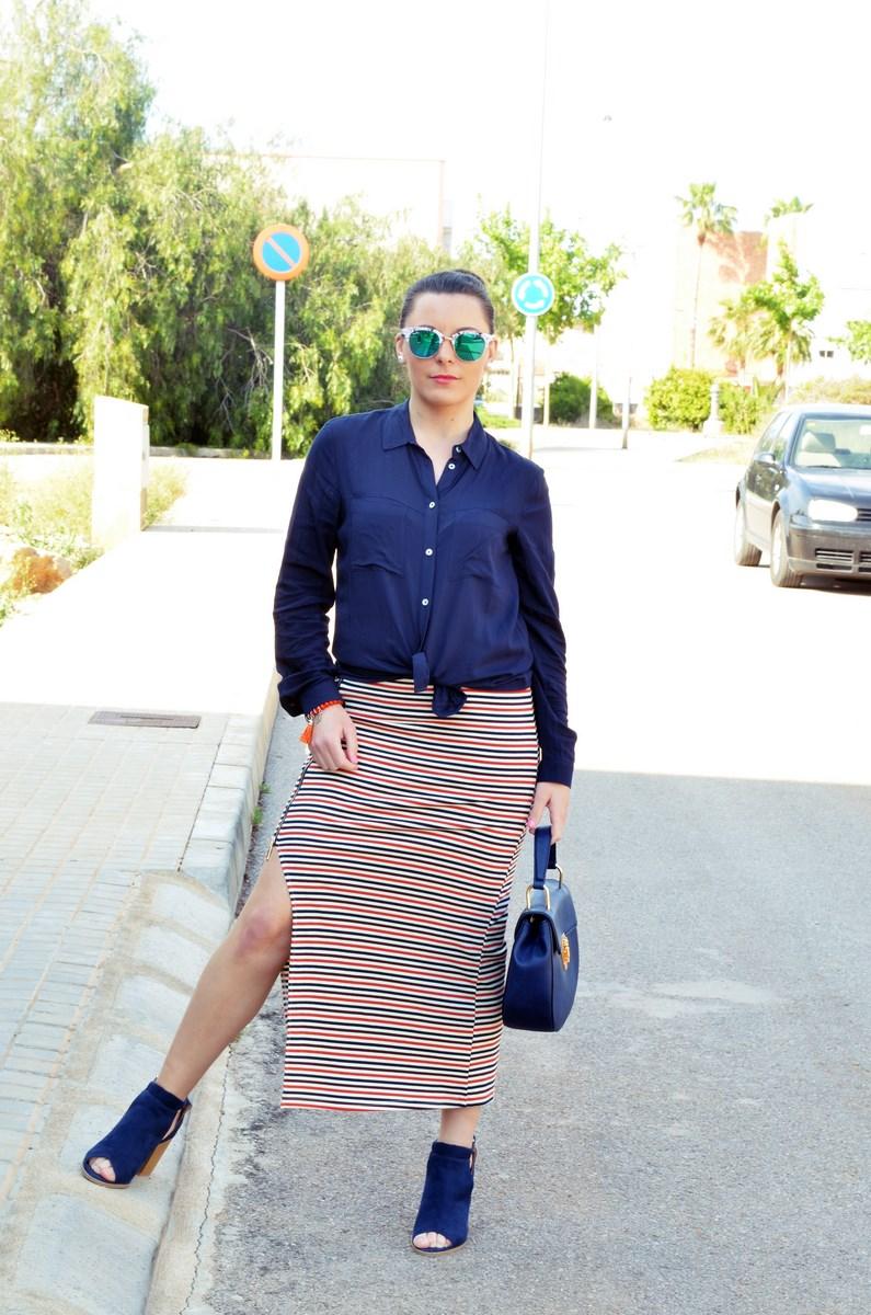 Maxifalda_rayas_y_azul_marino_Outfits_mivestidoazul (11)