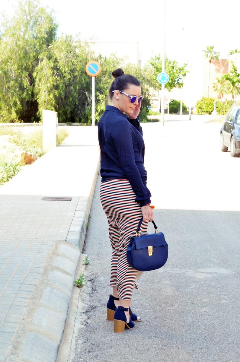 Maxifalda_rayas_y_azul_marino_Outfits_mivestidoazul (12)