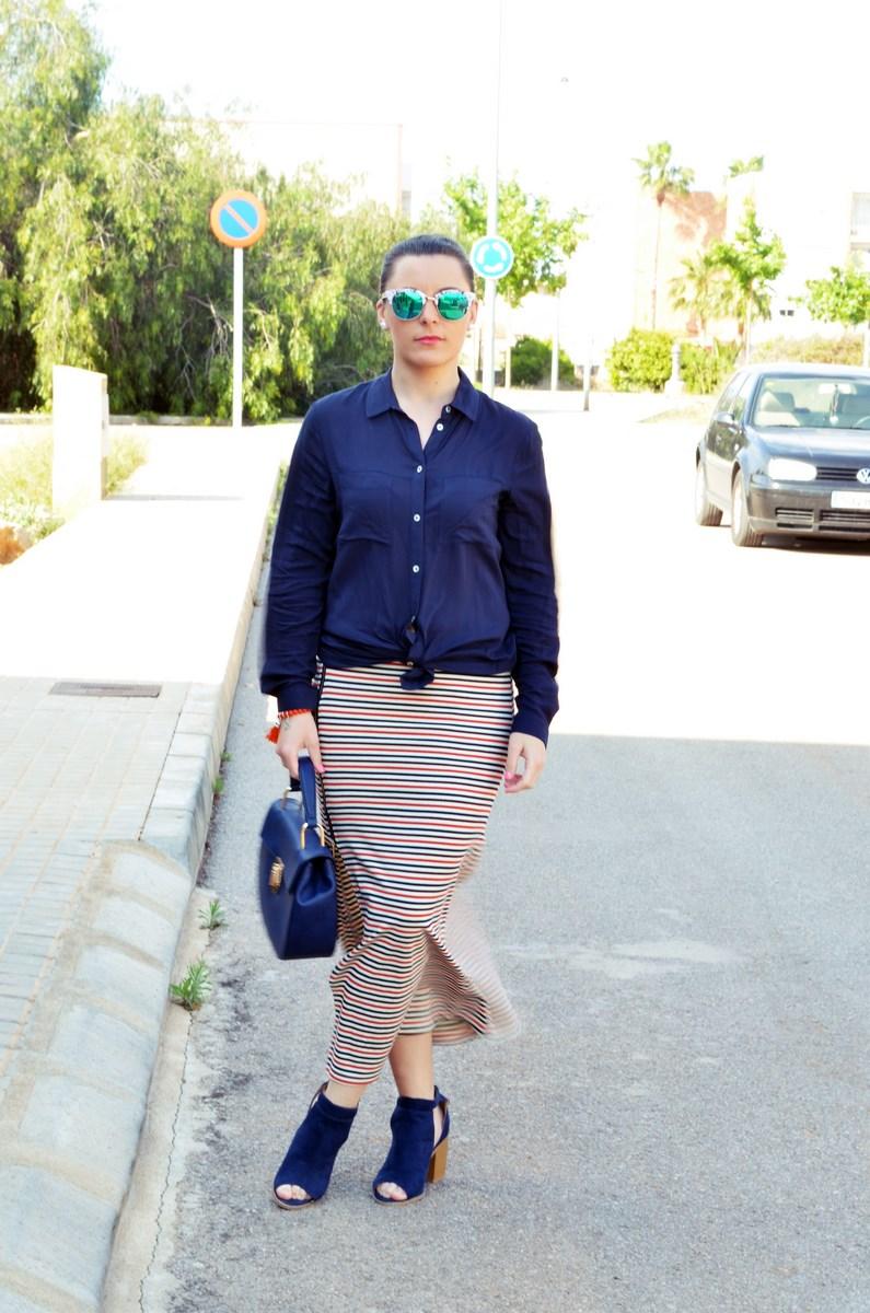 Maxifalda_rayas_y_azul_marino_Outfits_mivestidoazul (14)