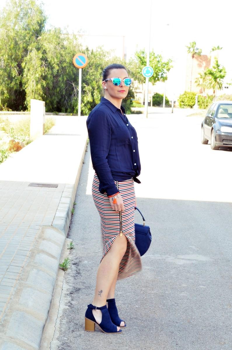 Maxifalda_rayas_y_azul_marino_Outfits_mivestidoazul (9)