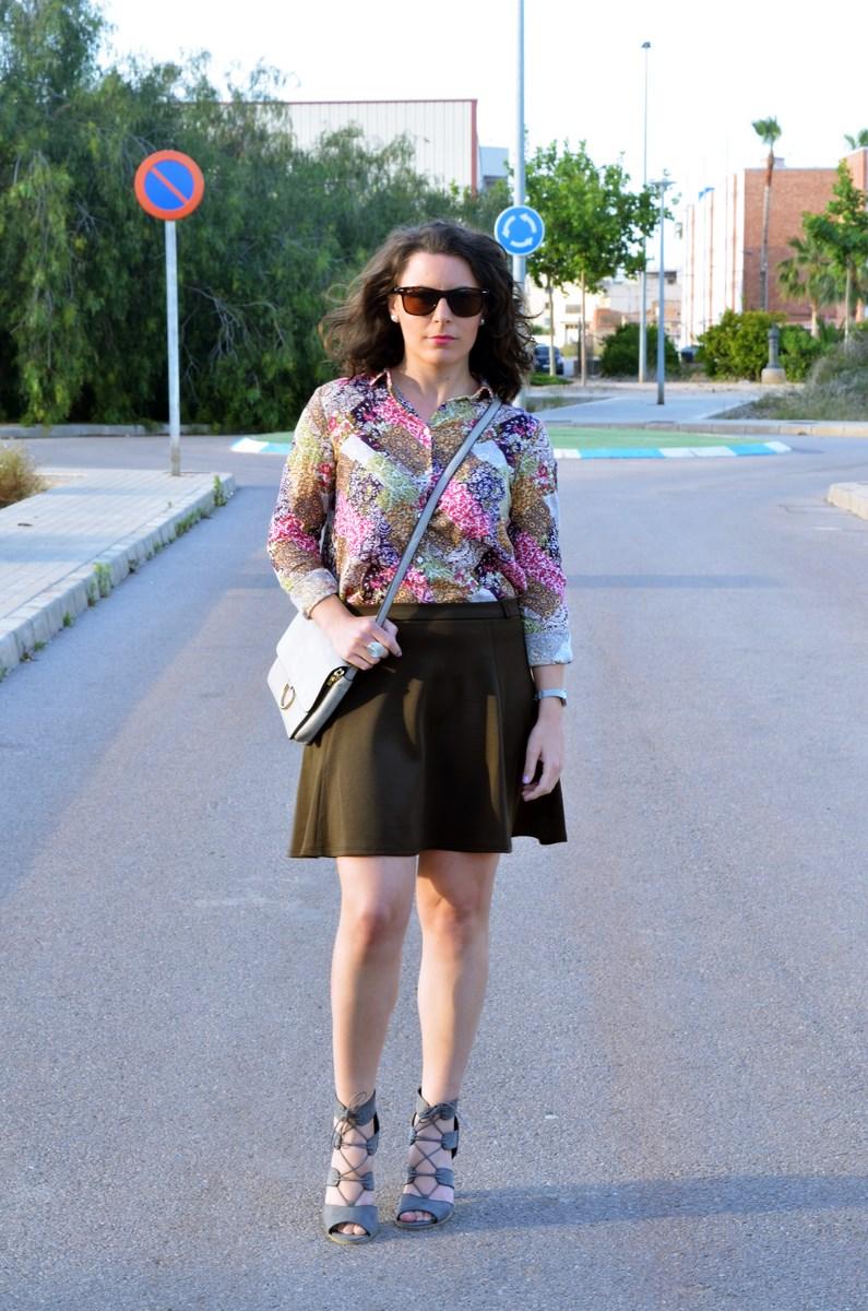 Verde caqui y gris_outfit_mivestidoazul (4)